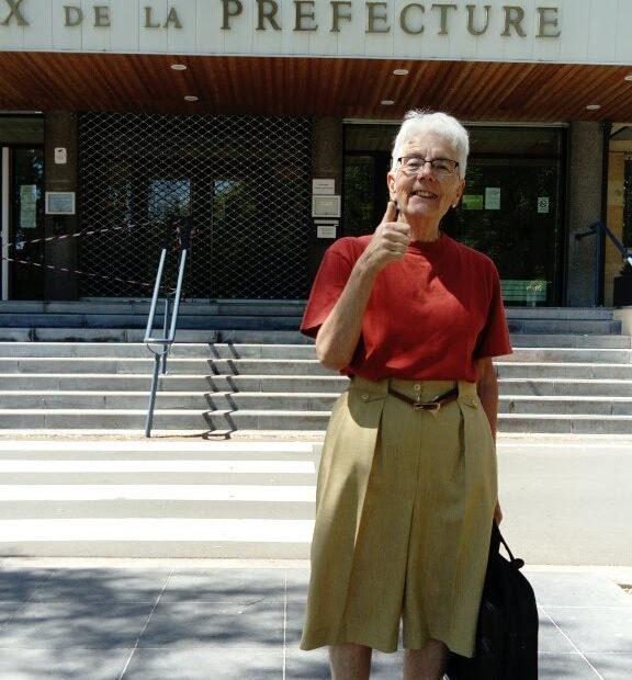 BernadetteHavet lors du dépôt de la liste d'Achicourt autrement